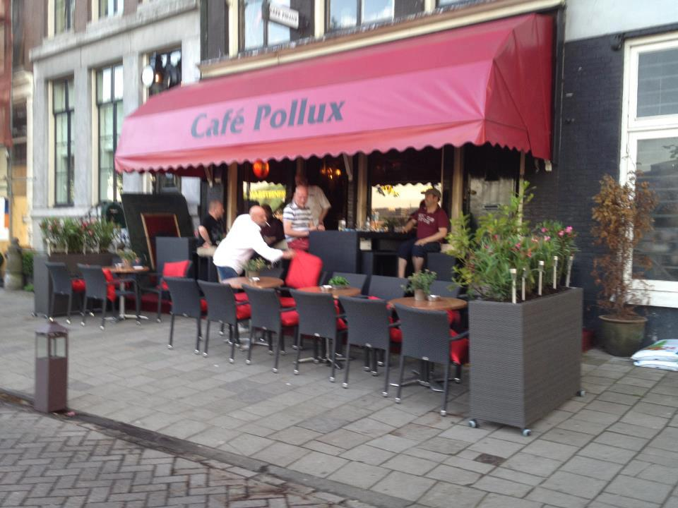 Cafe Pollux